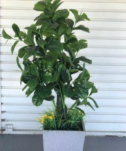 עץ תות מלאכותי