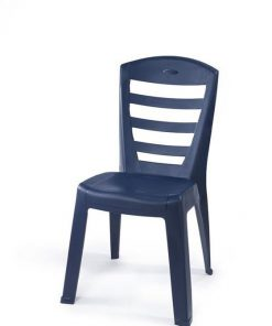 כיסא דגם שירי מבית כתר פלסטיק עשוי מפלסטיק חזק ועמיד ניתן לערום את הכיסאות אחד על השני לתנאי בית וחוץ ולכל מזג אוויר הכיסא מגיע בצבעים: אפור, כחול, ירוק